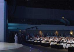 سيف بن زايد متحدثاً أمام القمة العالمية للحكومات