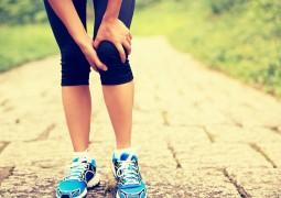 عشرة طرق لتخفيف آلام الركبة