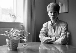 وفاة الكاتبة أنيتا بروكنر عن عمر يناهز 87 سنة