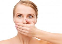 طرق سهلة للقضاء على رائحة الفم