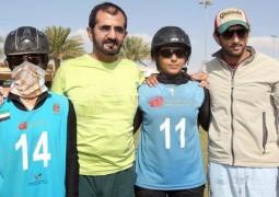 الشيخ محمد بن راشد يشهد سباق السيدات في مهرجان ولي عهد دبي للقدرة