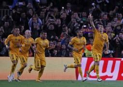 الثعلب سواريز يدفع برشلونة للفوز على منافسه اتلتيكو
