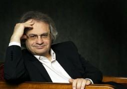 """أمين معلوف """"شخصية العام الثقافية"""" لجائزة زايد للكتاب"""