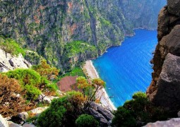 المتعة والترفيه في وادي الفراشات بتركيا