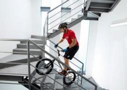 مكسيكي يدخل غينيس لصعوده سلالم برج بدراجة هوائية