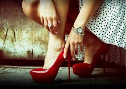 بهذه النصائح …اشعري بالراحة عند ارتداء الكعب العالي