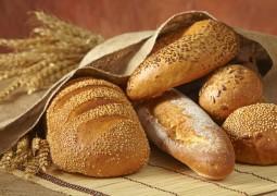 تناول الخبز بشكل مفرط يرفع السكري .. وليس له قيمة غذائية