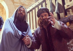 «سمرقند» دراما تاريخية تجمع الحياة والموت وطقوس الحب والإرهاب