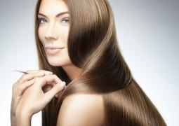 خلطات طبيعية لتفتيح لون شعرك المصبوغ