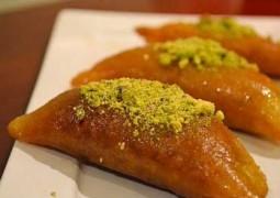 حلويات رمضان..قطايف مقلية بالقشطة