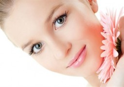 خطوات بسيطة لعلاج مشاكل بشرتك قبل العيد