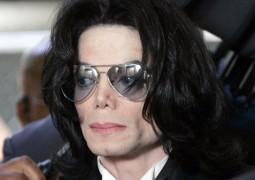 طبيب مايكل جاكسون يفجر مفاجأة صادمة حول وفاته