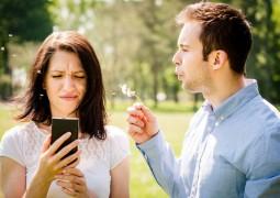 الهاتف المحمول يهدد العلاقات الزوجية بحلول 2030