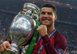 البرتغال تفوز ببطولة يورو 2016