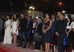 """""""نوارة"""" تقتنص الجائزة الكبرى في وهران ودقيقة صمت حدادا على محمد خان"""