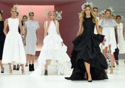 """بالصور.. أجمل الفساتين فى عرض أزياء """"ماير"""" للربيع والصيف"""