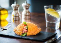 فندق سانت ريجيس أبوظبي يطلق تجربة غذاء  رجال الأعمال في مطعم فيلا توسكانا