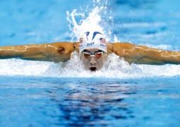 فيلبس يحتفل بالميدالية الأولمبية الـ 25