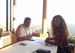 ماذا تفعل نيكول سابا مع الكاتب مازن طه