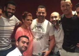 """الموزع نادر حمدى ينشر صورة لفريق عمل أغنية """"عيش وسكر ووطن"""""""