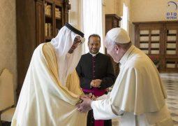محمد بن زايد وبابا الفاتيكان يبحثان العلاقات الثنائية وسبل تطويرها بما يخدم القضايا الإنسانية.