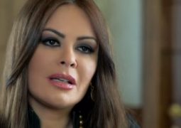 """""""كارمن لبس"""" تعود من لبنان إلى القاهرة لاستكمال نشاطها الفنى الأسبوع المقبل"""