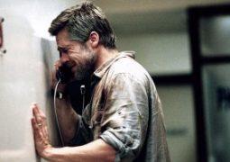"""براد بيت """"يبكى لوالديه يوميا بعد فراق أنجلينا جولى"""