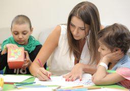 """Student World"" تزور مركز سرطان الأطفال في لبنان والسفيرة دانييلا رحمة تدعم الأطفال في رحلة الشفاء"