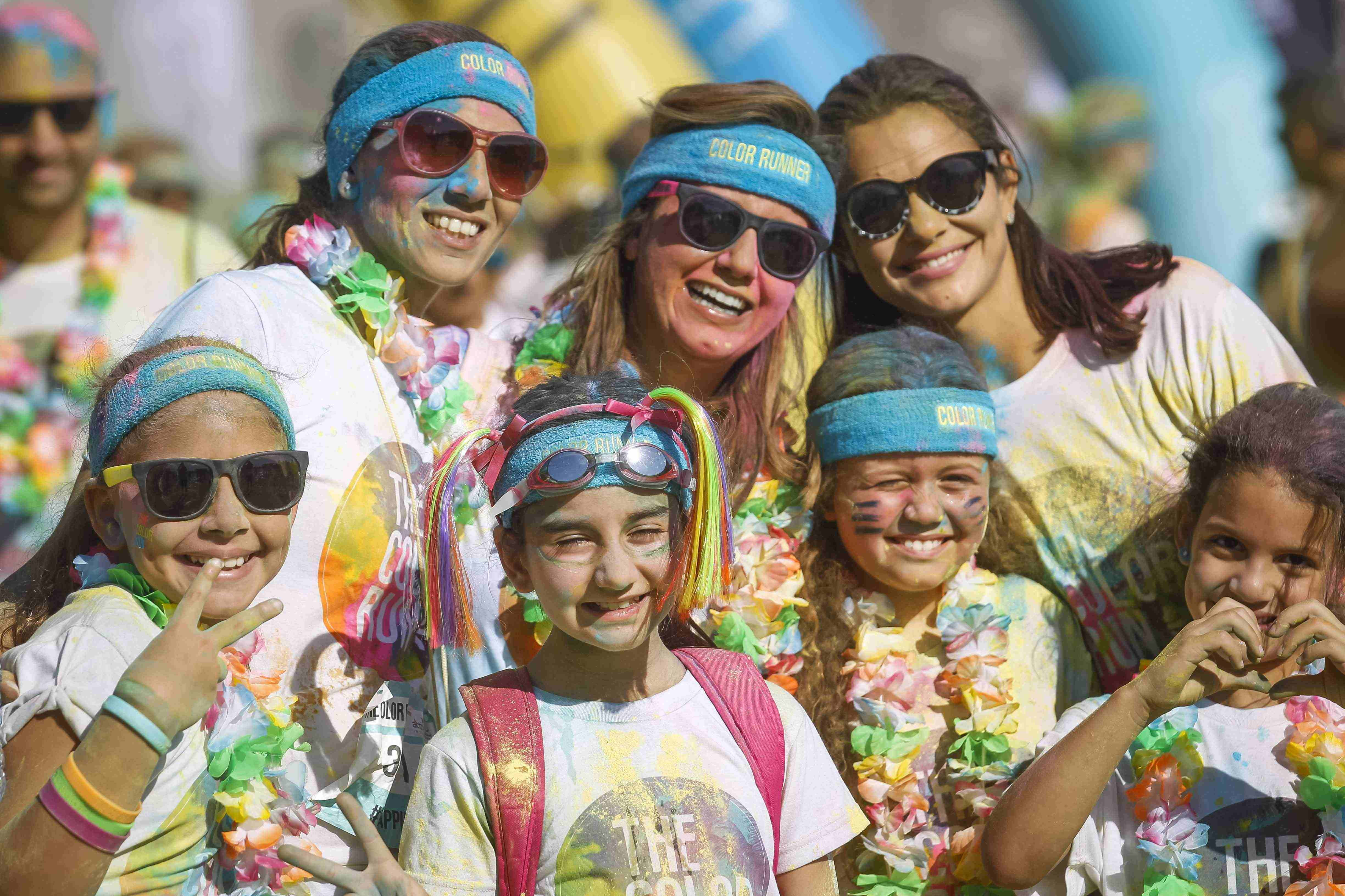 the-color-run-presented-by-damans-activelife-offers-an-exciting-day-out-for-families-and-friends