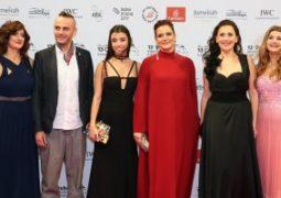 أبطال فيلم محبس على السجادة الحمراء في مهرجان دبي السنمائي