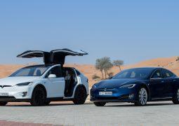 """تسلا تنطلق في الإمارات بسيارتي """"موديل أس"""" و""""موديل إكس"""""""