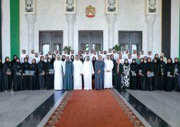 محمد بن راشد: تحقيق «السعادة والإيجابية» في الإمارات هدف ومنهج عمل