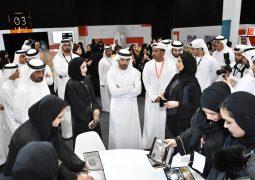 حمدان بن محمد بن راشد يزور المعرض التفاعلي
