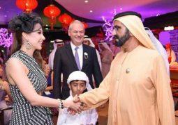 فستان نانسي عجرم يحرجها في حفل دبي  العالمي للخيل
