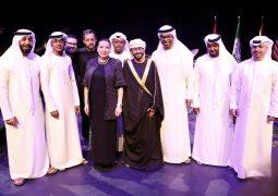 """عادل عبدالله يغني """"القرب نسنس"""" في جامعة نيويورك أبوظبي"""