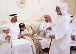 محمد بن زايد يزور أسرة الشهيد حمود العامري