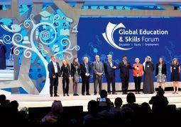 تكريم أفضل معلم على مستوى العالم اليوم