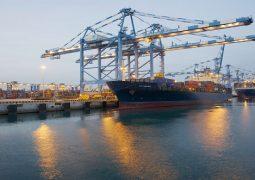 """الإمارات تطلق منطقة حرة للأسواق الأوروبية في ميناء خليفة على هامش معرض """"هانوفر ميسي"""