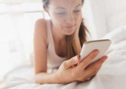 ماهي علاقة الهواتف الذكية بإكتئاب النساء !