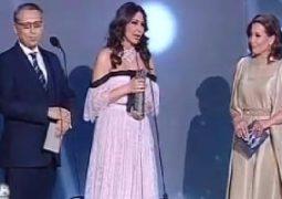 """إليسا تحصد  3 جوائز بـمهرجان """"الموسيقى العربية"""":"""