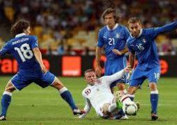 لاعب إيطالي موقوف بتهمة التلاعب
