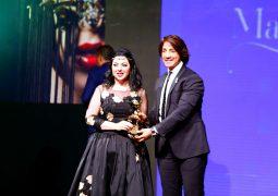 تكريم المصممة مها السباعي في مصر بجائزة الاوسكار