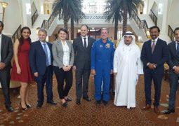 رائد الفضاء الأمريكي دون توماس يزور فندق باب القصر