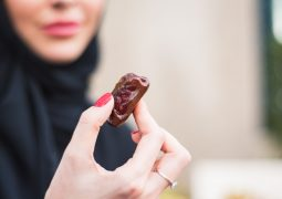 الأسباب الرئيسية لزيادة الوزن في رمضان