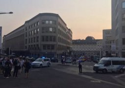 الشرطة تقتل مهاجما انتحاريا في محطة القطارات وسط بروكسل