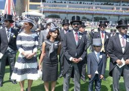 محمد بن راشد يشيد بالفوز الثلاثي لخيول الإمارات في «رويال أسكوت»