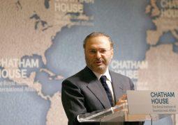 قرقاش: مصرف قطر المركـزي موّل عمليات إرهابية