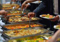 العدوى والأمراض في وجبات الأعياد والمناسبات