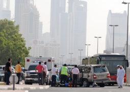 مخالفة 25 سائقاً فضولياً بمواقع حوادث في دبي