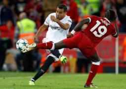 ليفربول يفرّط بالفوز أمام إشبيلية